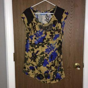 Cute Vera Wang tunic shirt, perfect w/ leggings!